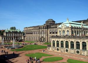 Здание картинной галереи в Дрездене