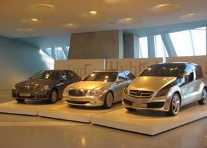 Экспонаты музея Мерседес в Штутгарте