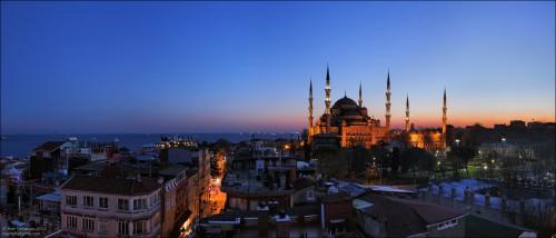 Стамбул на берегу Мраморного моря