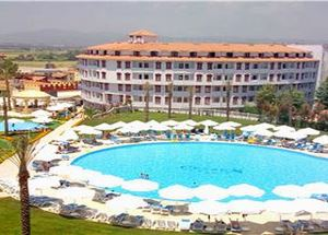Вид на отель Cesars Palms в Сиде