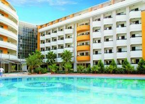 Вид на отель My Home Resort Hotel Alanya со стороны бассейна