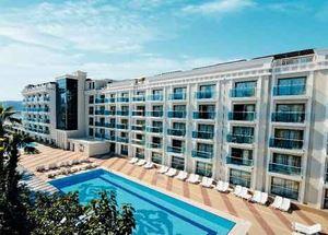 Вид на здание отеля Emre Beach 4* в Мармарисе