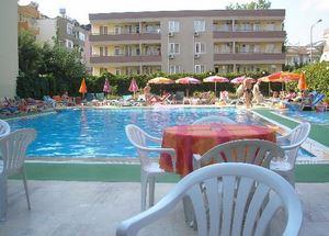 Бассейн отеля Kleopatra Beach Hotel в Аланье
