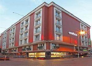 Четырехзвездочный отель Vicenza в центре Стамбула