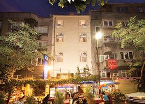 Вид на здание отеля Meddusa 3* в Стамбуле