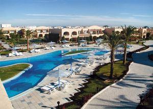 Вид на бассейн отеля Ali Baba Palace 4* в Хургаде Египет