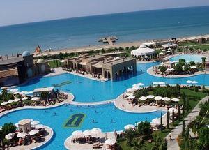 Панорама отеля 4 звезды Hilton Hurgada Long Beach Resort в Хургадае Египет