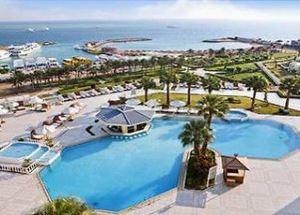 Отель 5 звезд Hilton Plaza Hotel в Хургаде Египет