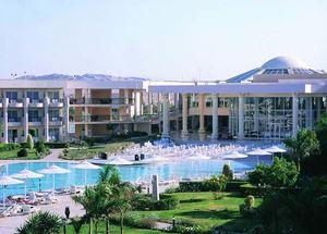 Вид на здание отеля Royal Azur 5* в Макади Бей Хургада Египет