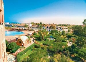 Сад отеля Samaka Beach Resort Hurghada 3*
