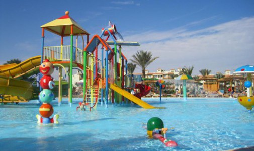 Детские водные горки в отеле Dana Beach Resort 5*