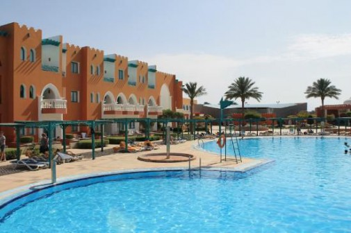 Бассейн отеля SUNRISE Select Garden Beach Resort & Spa 5*