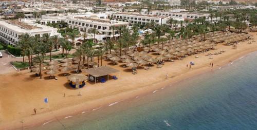 Песчаный пляж отеля IBEROTEL PALACE 5* Шарм-эль-Шейх
