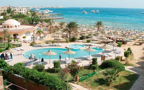 Вид на бассейн и пляж Roma Hotel Hurghada 4*
