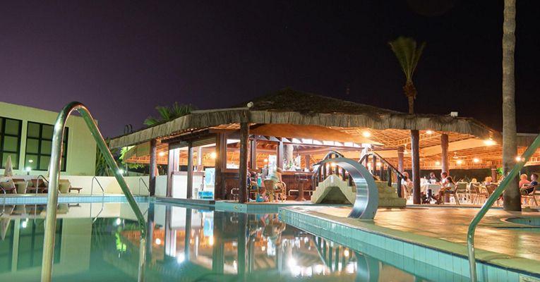 Adams Beach Hotel 5 Aya-Napa Food 1