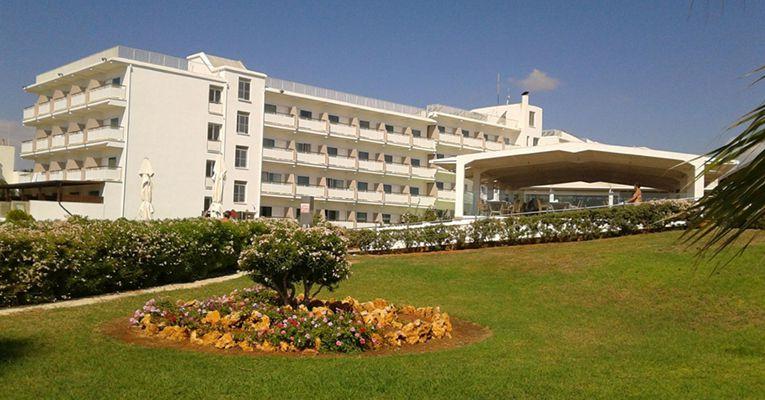 Asterias Beach Hotel 4 1