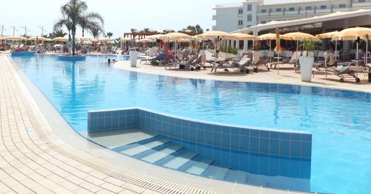 Asterias Beach Hotel 4 2