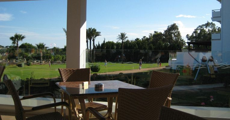 Asterias Beach Hotel 4 3