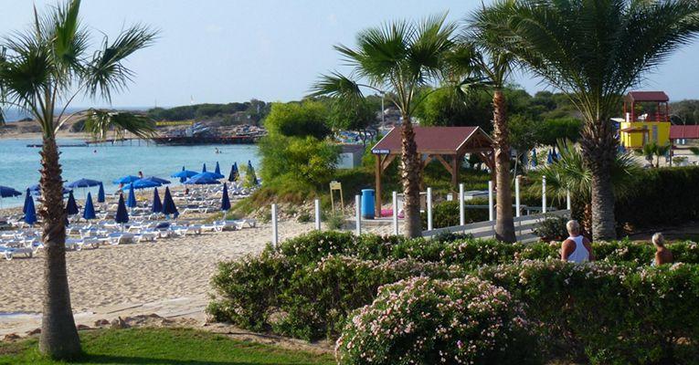 Asterias Beach Hotel 4 Bot 5