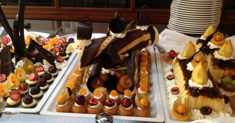 Grecian Bay Hotel 5 Aiya Napa Food 3
