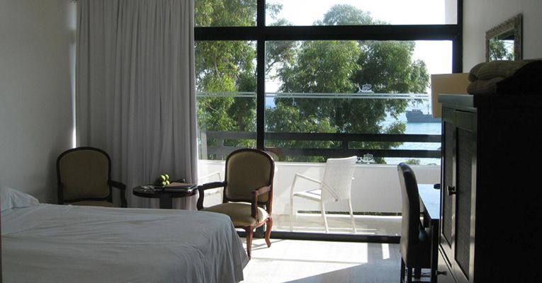 Grecian Bay Hotel 5 Aiya Napa Room 4