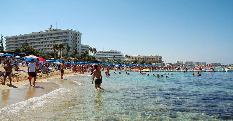 oteli-aya-napi-nissi-beach